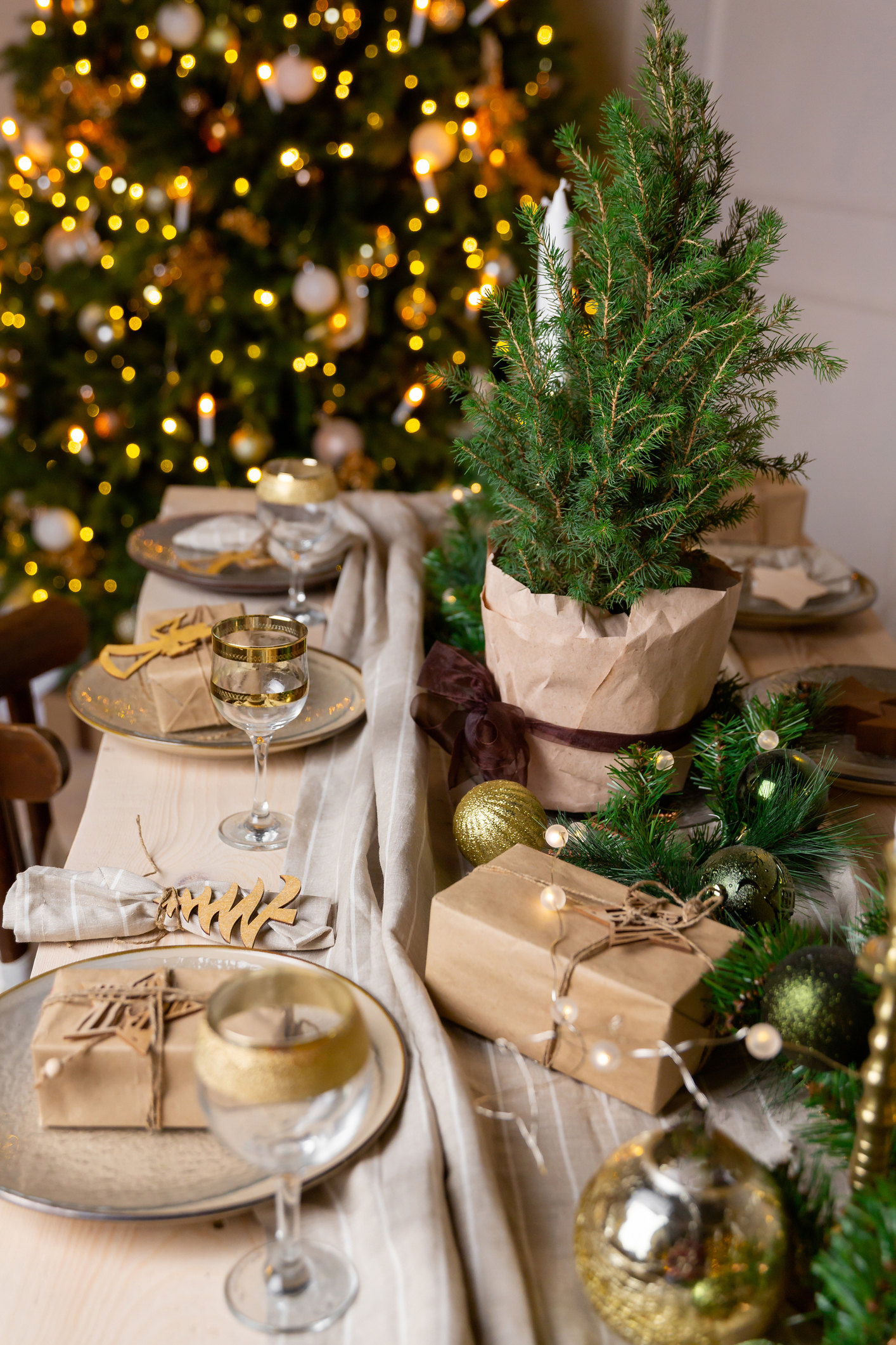 Getty - Christmas Table