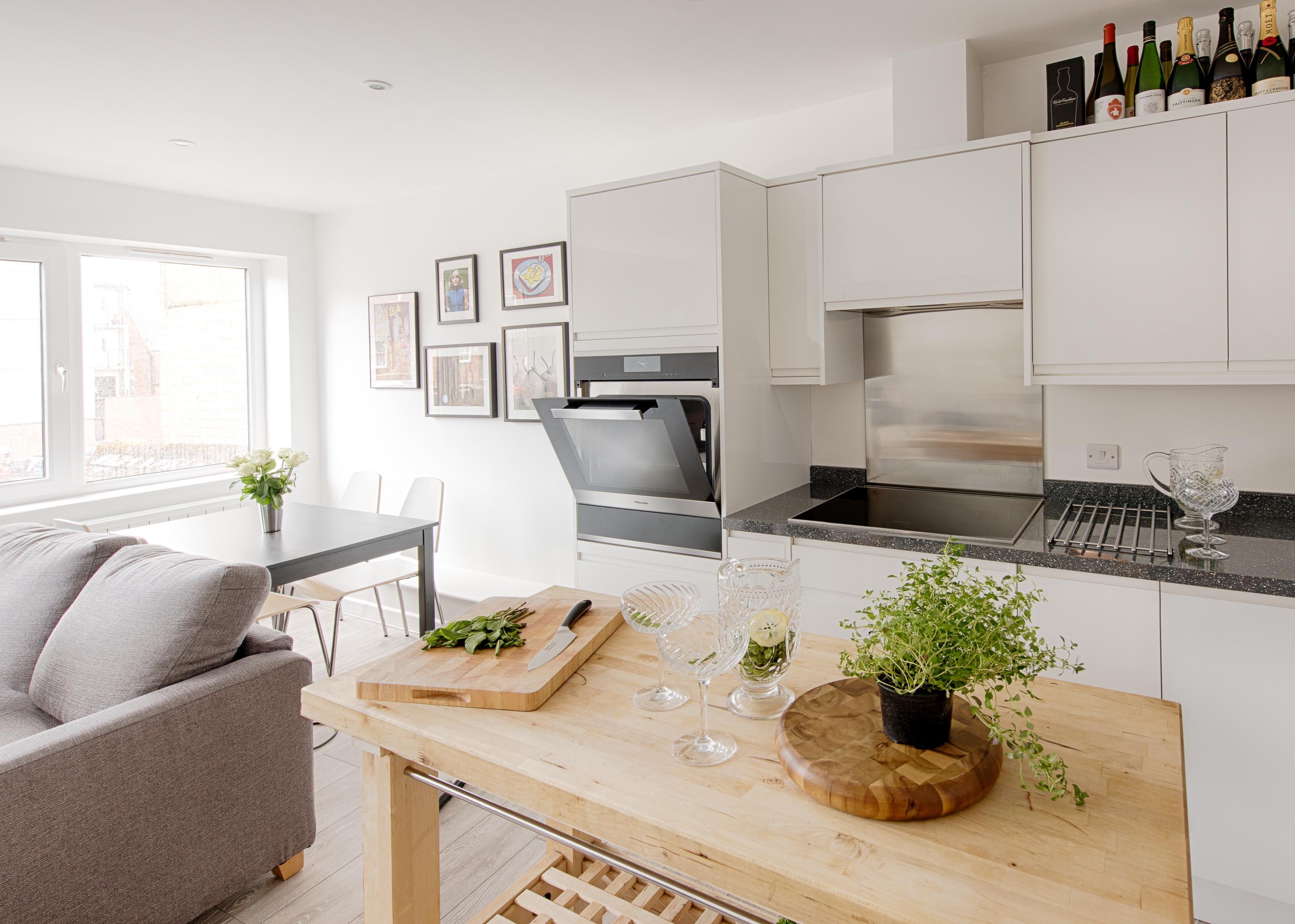 Top Tips For Designing A Kitchen Diner - Der Kern by Miele